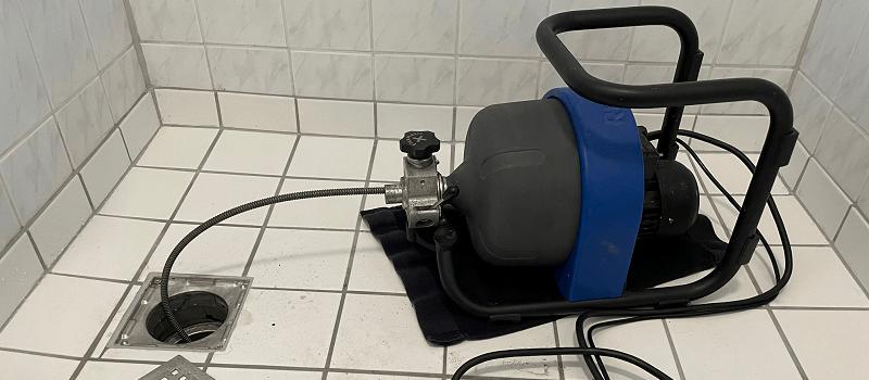 Stoppet gulvafløb - Kloakrensning døgnservice